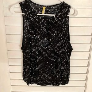 Free People Tops - Free People cut out cleavage top